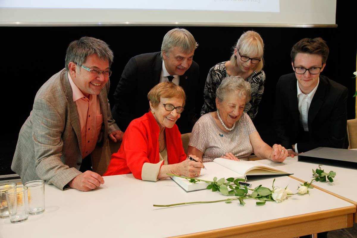Eintragung ins Goldene Buch der Stadt Markkleeberg-