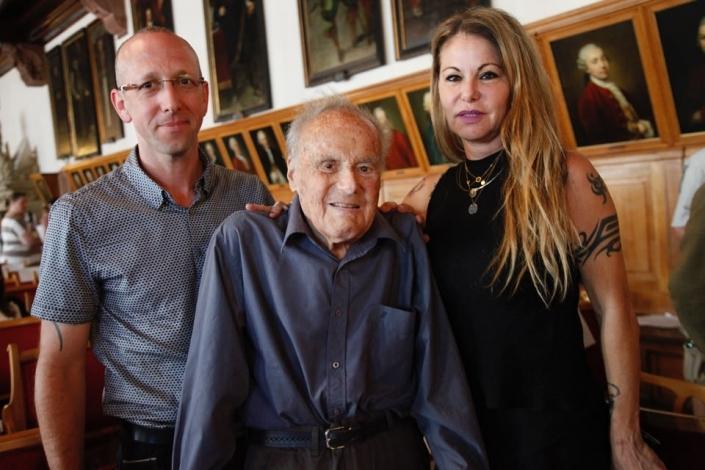 Porträt Manfred Rosenbaum mit Tochter und Ehemann