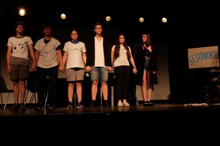 Schüler spielen Theater